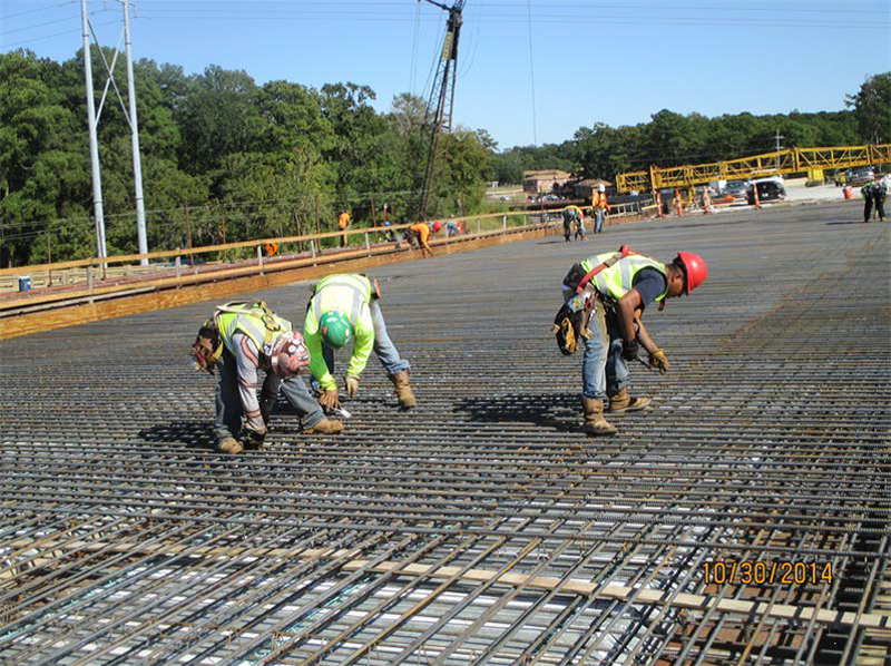 Tying the rebar steel in place