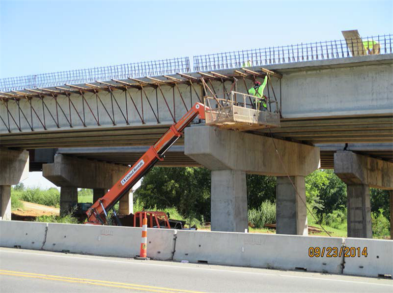 Removing overhang jacks from southbound bridge