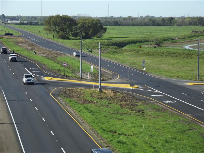 Junction of US 167 (4-lane highway) and LA 699