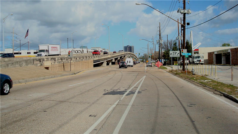 Northbound facing Vets